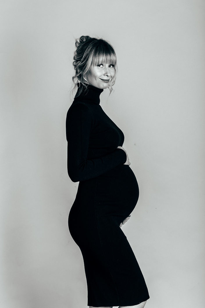 студийная фотосессия беременных киев